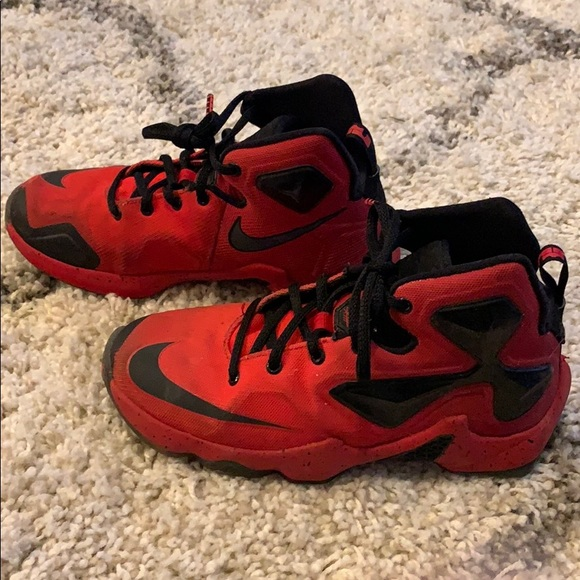 finest selection ccfda f42d2 Lebron 13 XIII Red and Black Youth Size 4